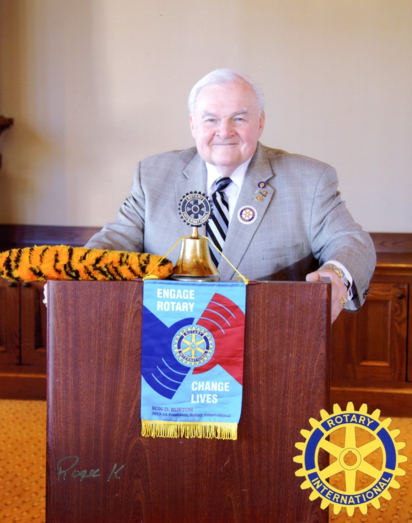 """Alex   presenting his """"Vehicle Hysteria"""" program to the Keller Rotary Club"""